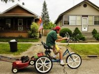 How can you pick up the best bike trailer for lawn mower?